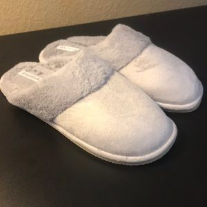 Long Tall Sally Pale Grey Peg Faux Fur Slippers
